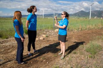Professor Katie Johnson with students at the NREL Wind Technology Center