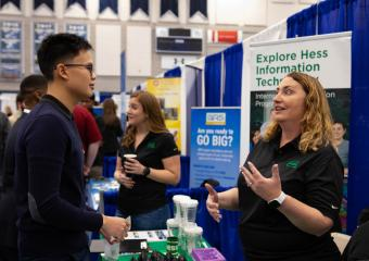 Benjamin Wang, petroleum engineering 2020 talks to a recruiter from Hess Corporation