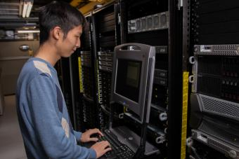 Student works on supercomputer in CTLM